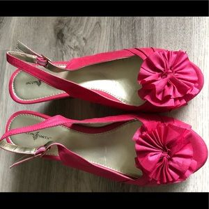 Cute pink shoes by Jaclyn Smith in 8.5